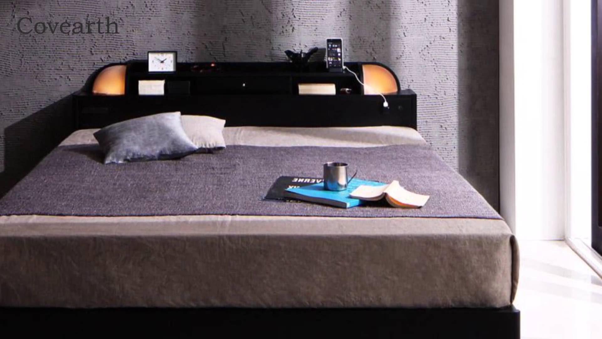 便利で快適 棚・ライト・コンセント付き多機能収納ベッド